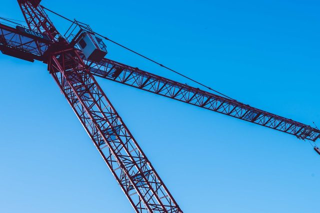 Select purchases world's first electric crawler crane